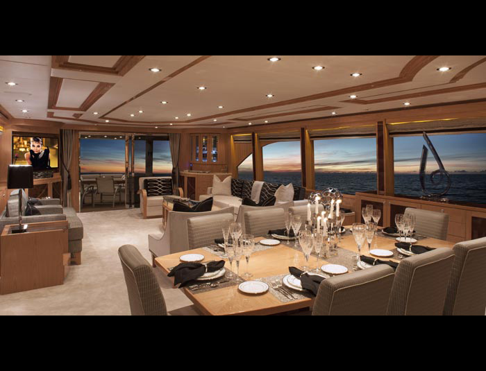 ... Hargrave Yaucht Sassy Yacht Interior Living Quarters ...