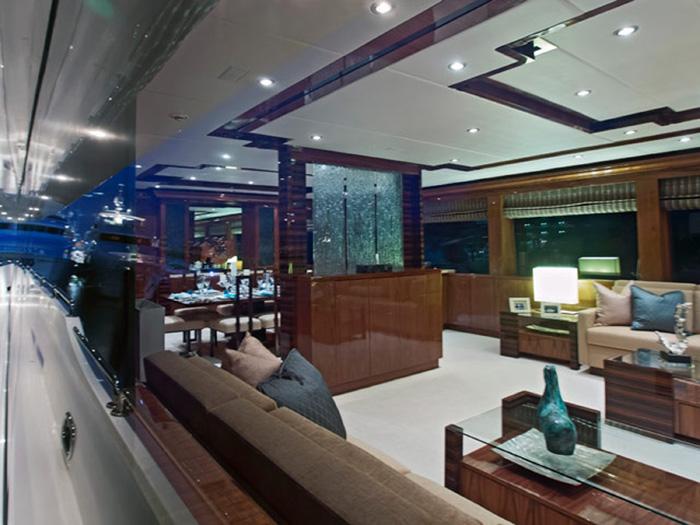 ... Hargrave Yaucht Gigi Yacht Interior Deck ...